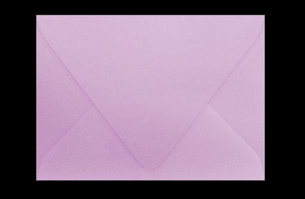 Сиреневый конверт с треугольным клапаном