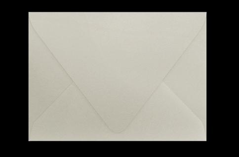 Светлый тёплый серый конверт с треугольным клапаном