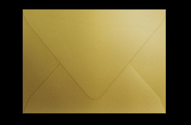 Конверт из золотистой метализированной бумаги с треугольным клапаном