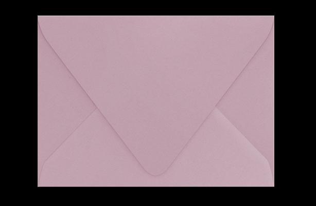 Пудрово-розовый конверт с треугольным клапаном